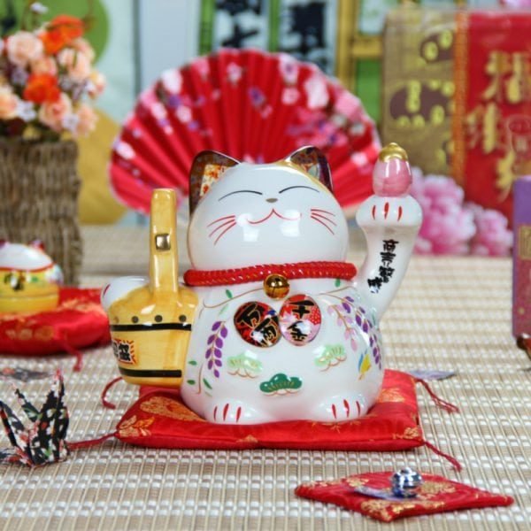 8 Inch Ceramic Cute Maneki Neko Fengshui