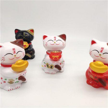 Cute 2019 Chinese Lucky Cat Maneki Neko Miniatures