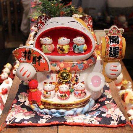 Oversized Maneki Neko Kitten Ceramic