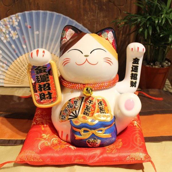 Maneki Neko Japan Lucky Cat Fengshui Decoration